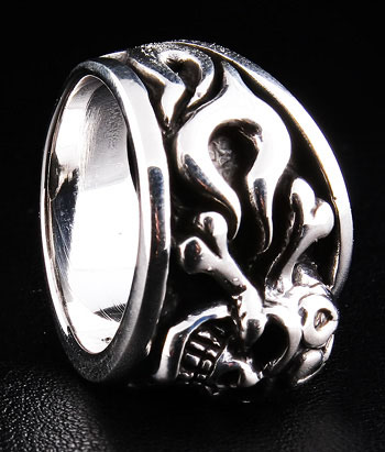 Pirate Skull Ring - Click Image to Close